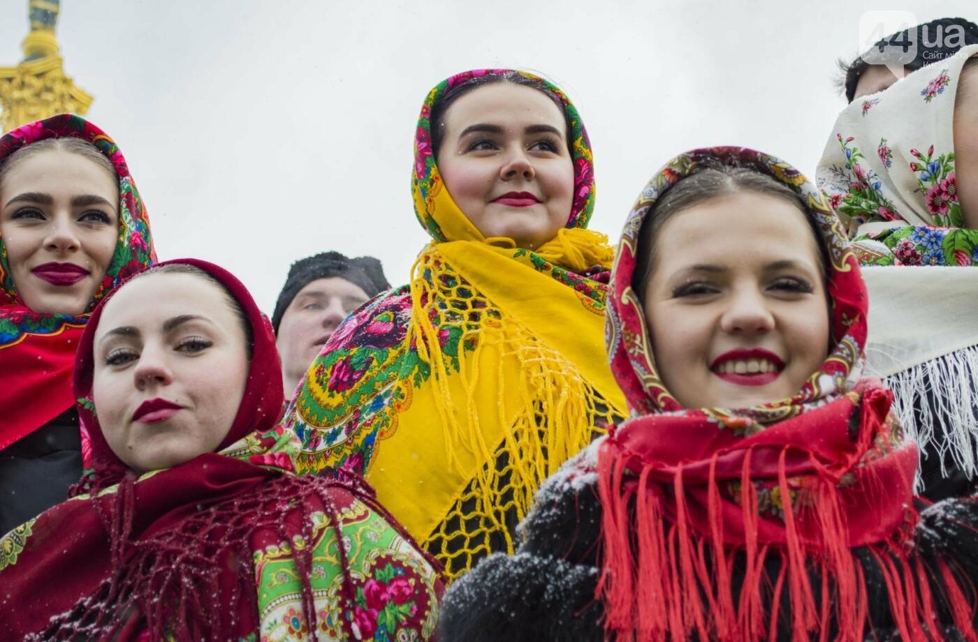 На Крещатике развернули гигантский флаг Украины (ФОТОРЕПОРТАЖ), фото-11