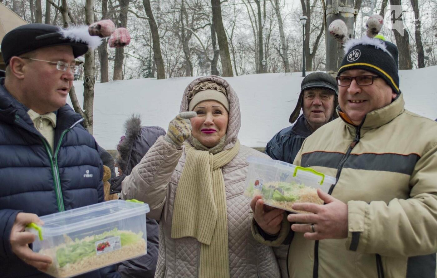 В центре Киева прошла необычная акция в поддержку улиток: как это было, фото-9