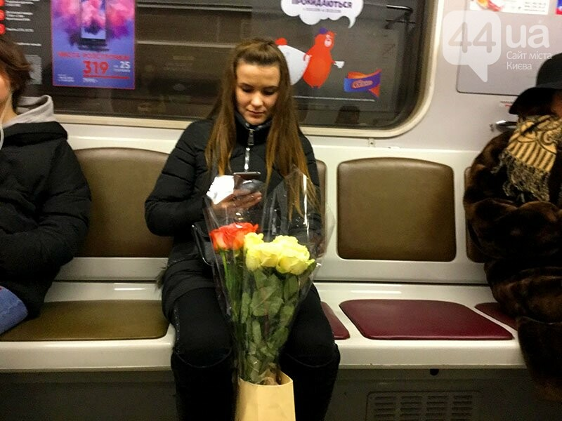 Для милых дам: как Киев цветами завалили (ВИДЕО), фото-1