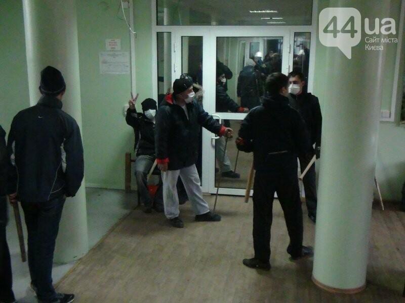 Годовщина захвата админзданий на востоке Украины: кто это делал и почему (ФОТО), фото-4