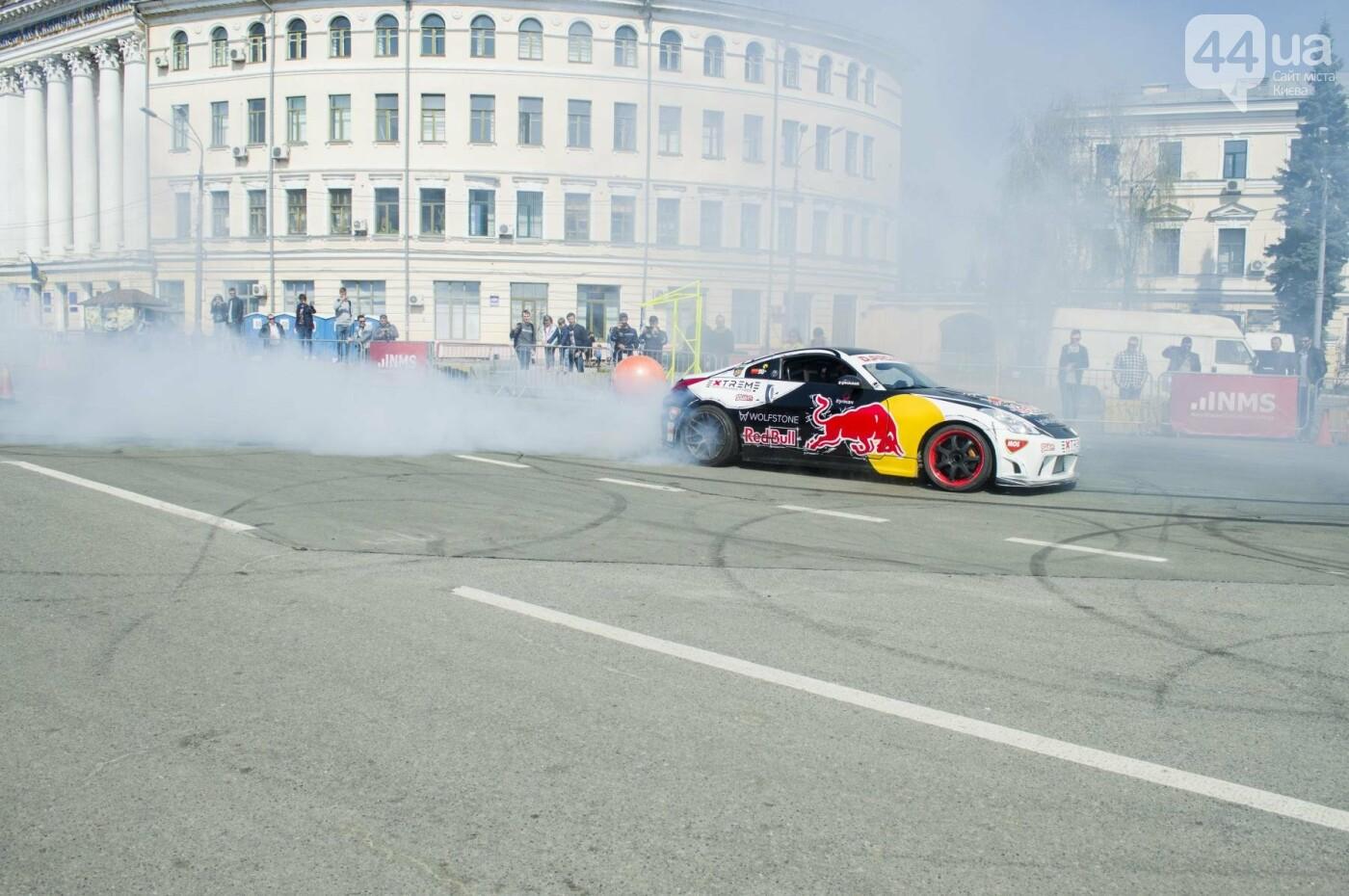 Мотогонки, автошоу патрульных и мощный дрифт: на Подоле проходит масштабный фестиваль драйва, фото-11