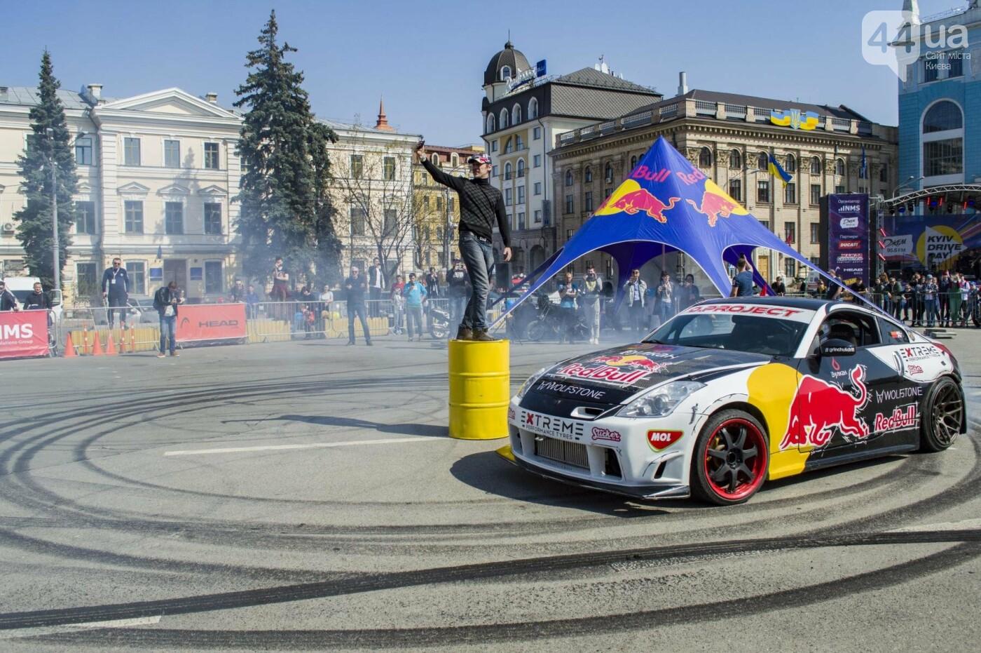 Мотогонки, автошоу патрульных и мощный дрифт: на Подоле проходит масштабный фестиваль драйва, фото-15