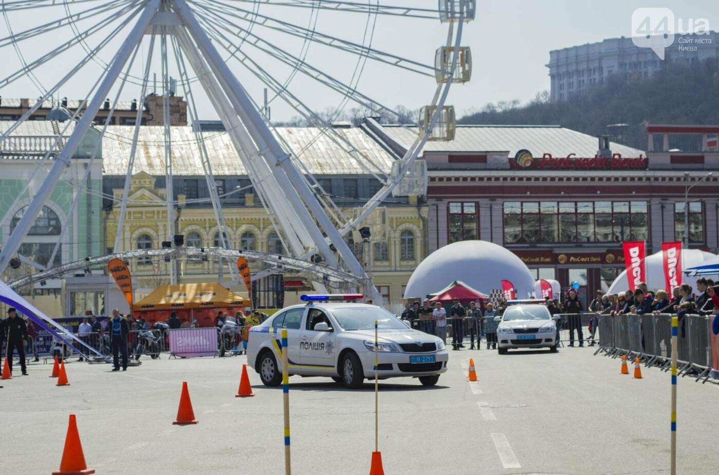 Мотогонки, автошоу патрульных и мощный дрифт: на Подоле проходит масштабный фестиваль драйва, фото-19