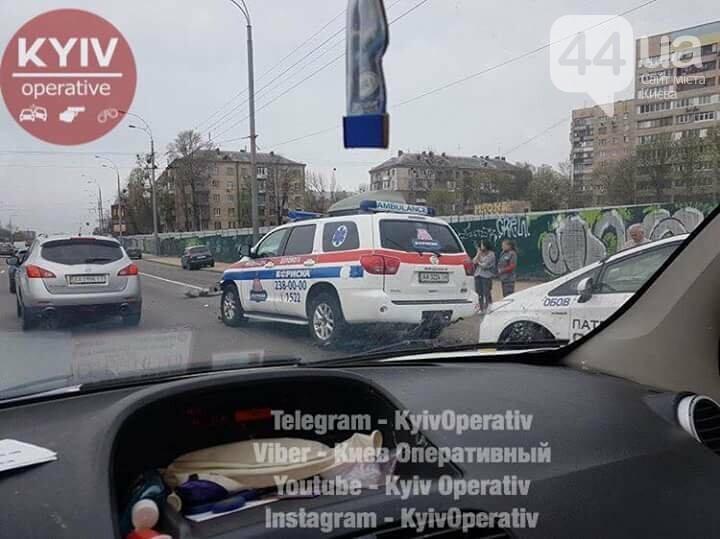 В Киеве маршрутка попала в ДТП, фото-1