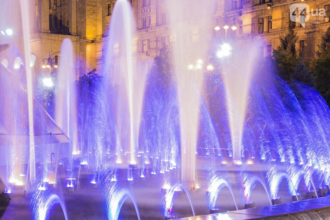В Киеве включили фонтаны , фото-18