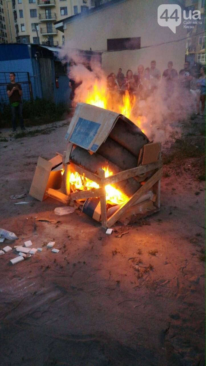 Бунт под Киевом: жители Ирпеня протестуют из-за отсутствия электричества, - ФОТО, фото-3