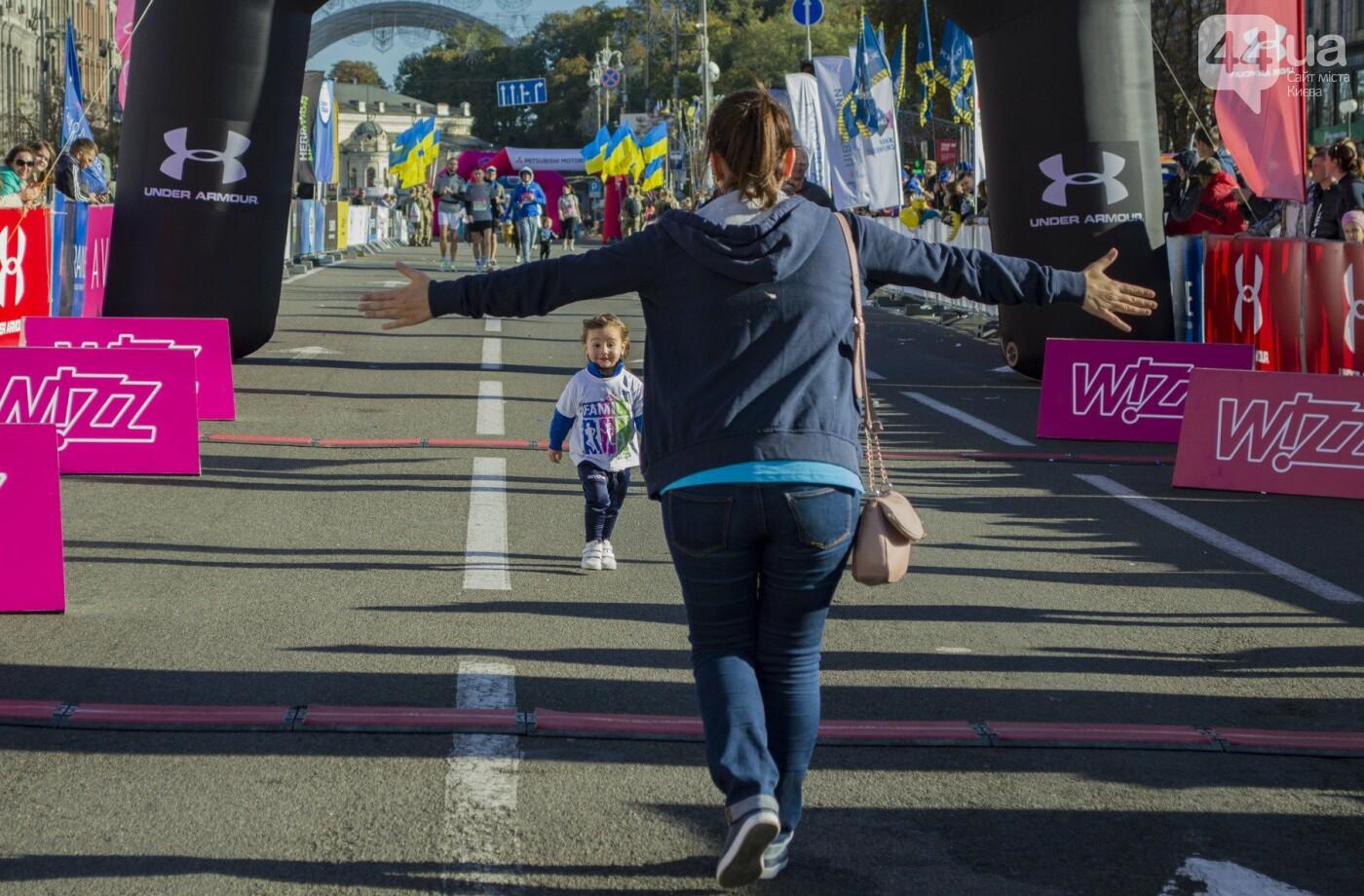 В центре Киева тысячи семей, детей и воинов АТО пробежали марафон, - ФОТОРЕПОРТАЖ, фото-22