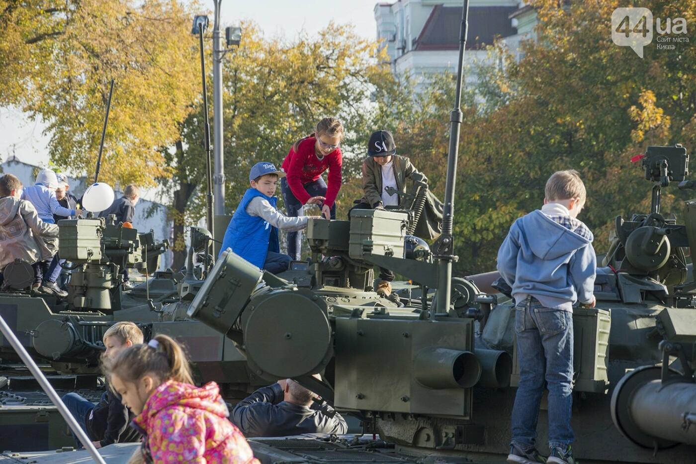 В Киеве открылась масштабная выставка военной техники – ФОТОРЕПОРТАЖ, фото-15