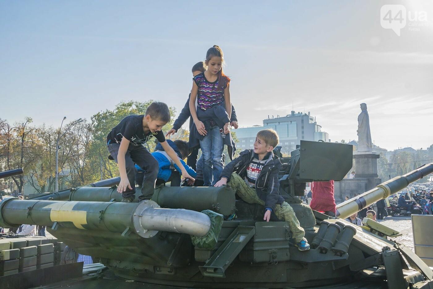 В Киеве открылась масштабная выставка военной техники – ФОТОРЕПОРТАЖ, фото-17