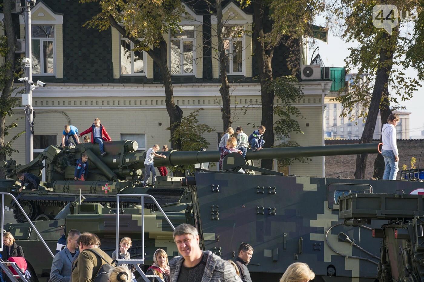 В Киеве открылась масштабная выставка военной техники – ФОТОРЕПОРТАЖ, фото-29