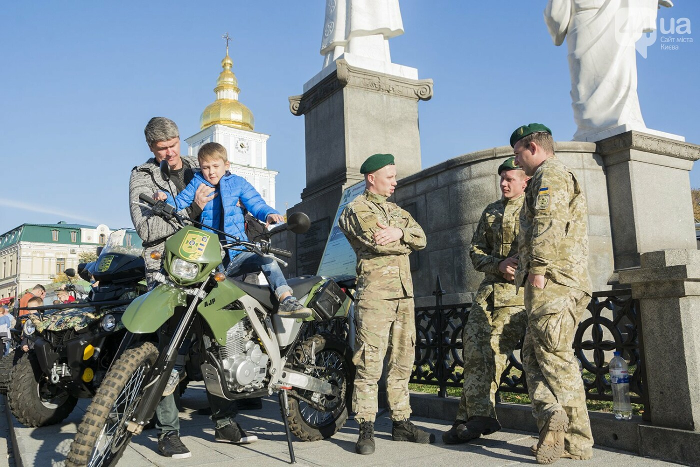 В Киеве открылась масштабная выставка военной техники – ФОТОРЕПОРТАЖ, фото-33
