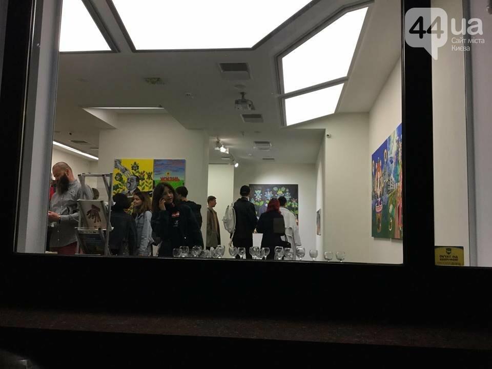 «Живи, не бойся»: в Киеве открылась выставка художника-гипрерреалиста Юрия Болсы, - ФОТО, ВИДЕО, фото-4
