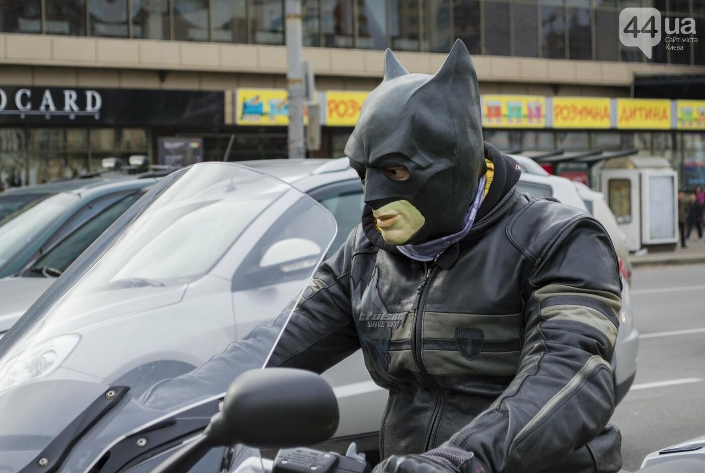 """От Бэтмена до ведьм: как """"нечисть"""" разъезжала на мотоциклах по центру Киева, фото-18"""