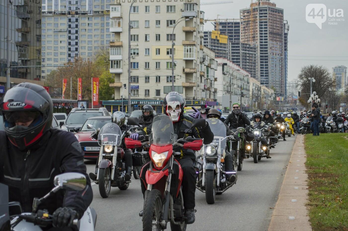 """От Бэтмена до ведьм: как """"нечисть"""" разъезжала на мотоциклах по центру Киева, фото-17"""