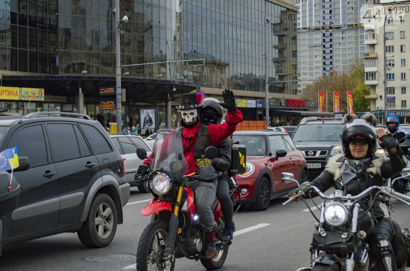 """От Бэтмена до ведьм: как """"нечисть"""" разъезжала на мотоциклах по центру Киева, фото-19"""