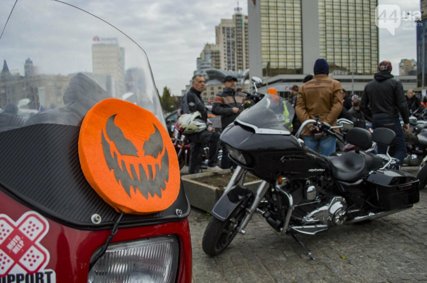 """От Бэтмена до ведьм: как """"нечисть"""" разъезжала на мотоциклах по центру Киева, фото-4"""