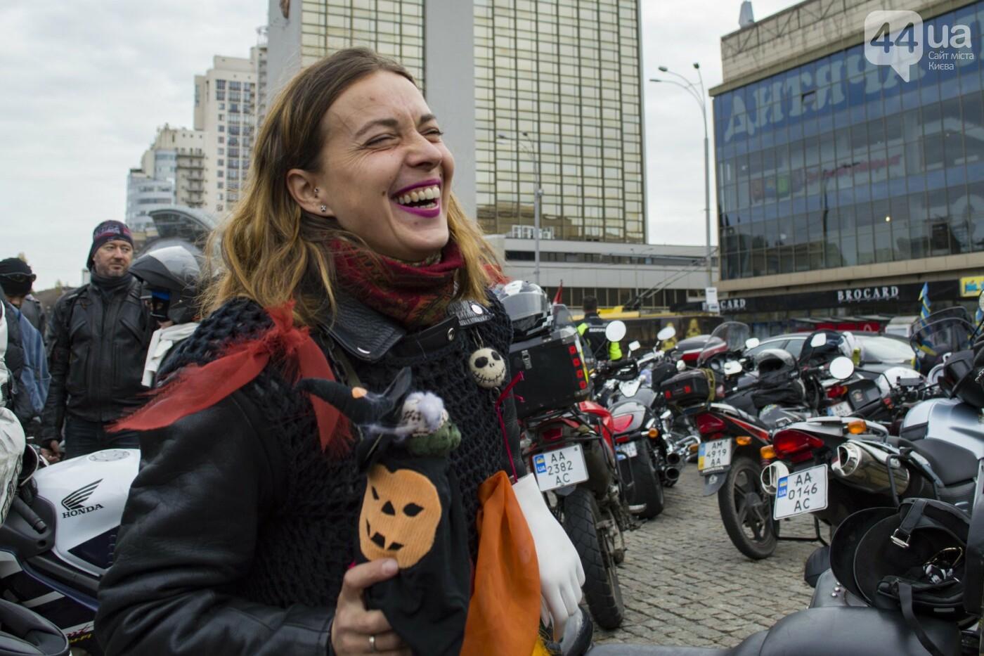 """От Бэтмена до ведьм: как """"нечисть"""" разъезжала на мотоциклах по центру Киева, фото-2"""