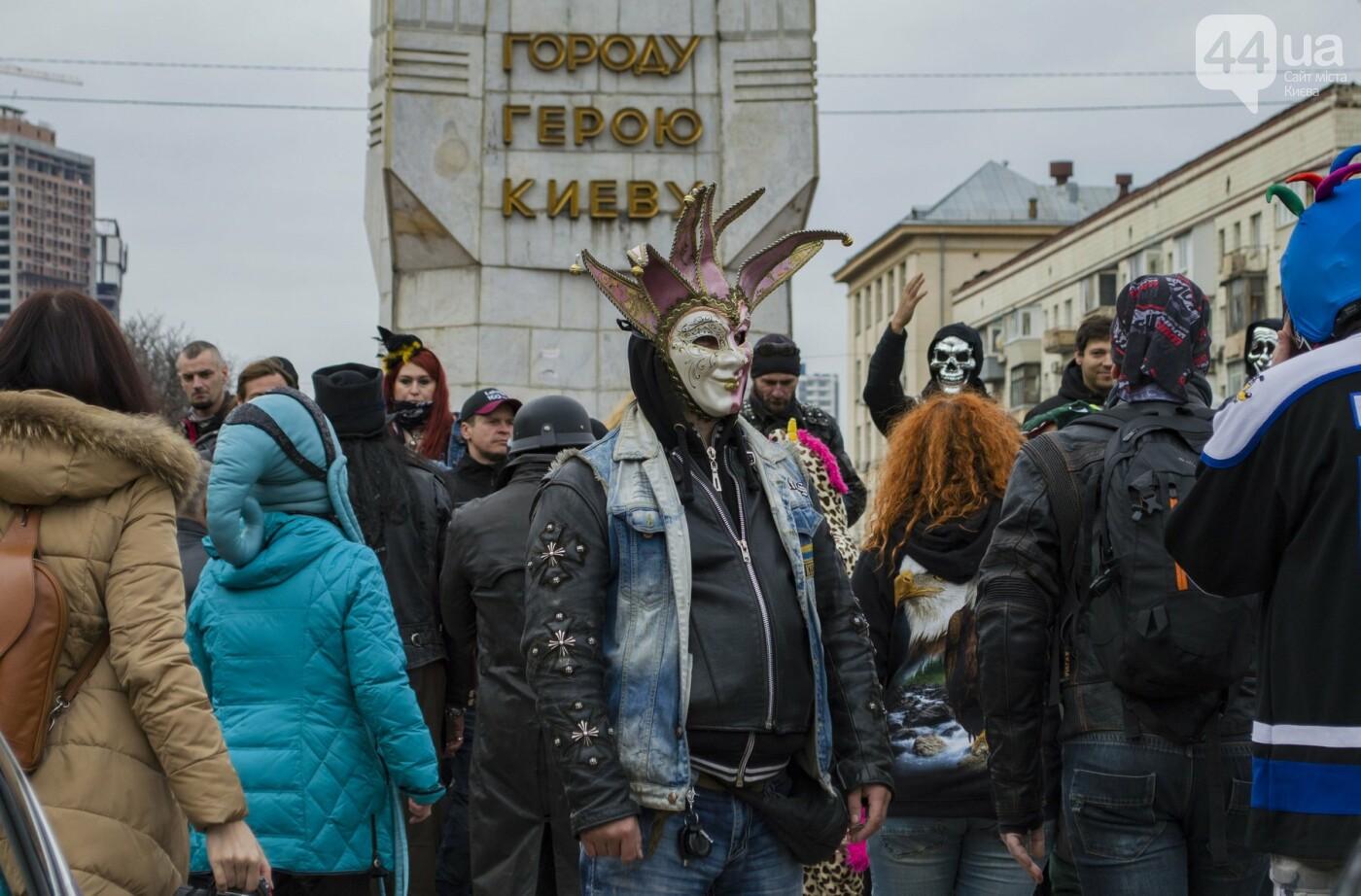 """От Бэтмена до ведьм: как """"нечисть"""" разъезжала на мотоциклах по центру Киева, фото-12"""