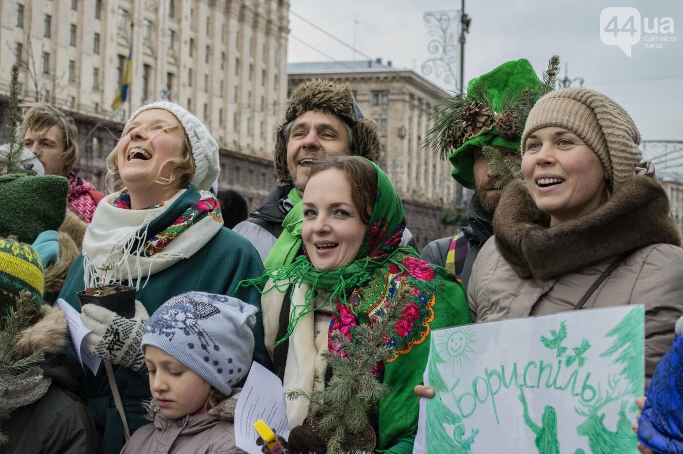 По Киеву прошли зеленые Деды Морозы и Снегурочки, - ФОТОРЕПОРТАЖ, фото-3