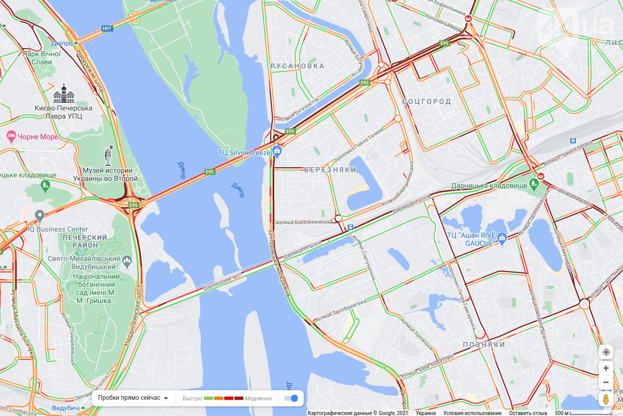 Пробки Киев онлайн: снег остановил движение на всех дорогах города.