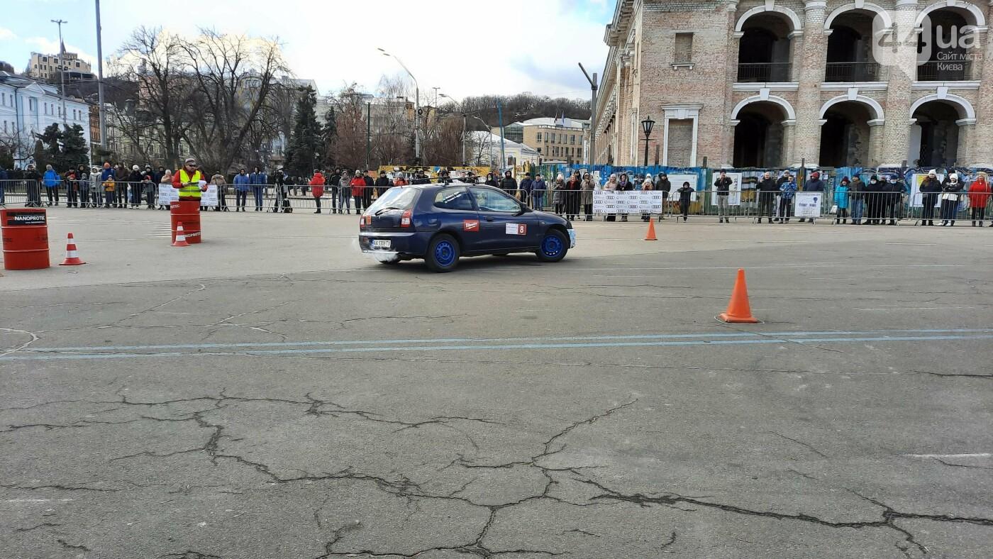 Женское ралли: как на Контрактовой площади в Киеве гонки устраивали, - ФОТО, фото-3