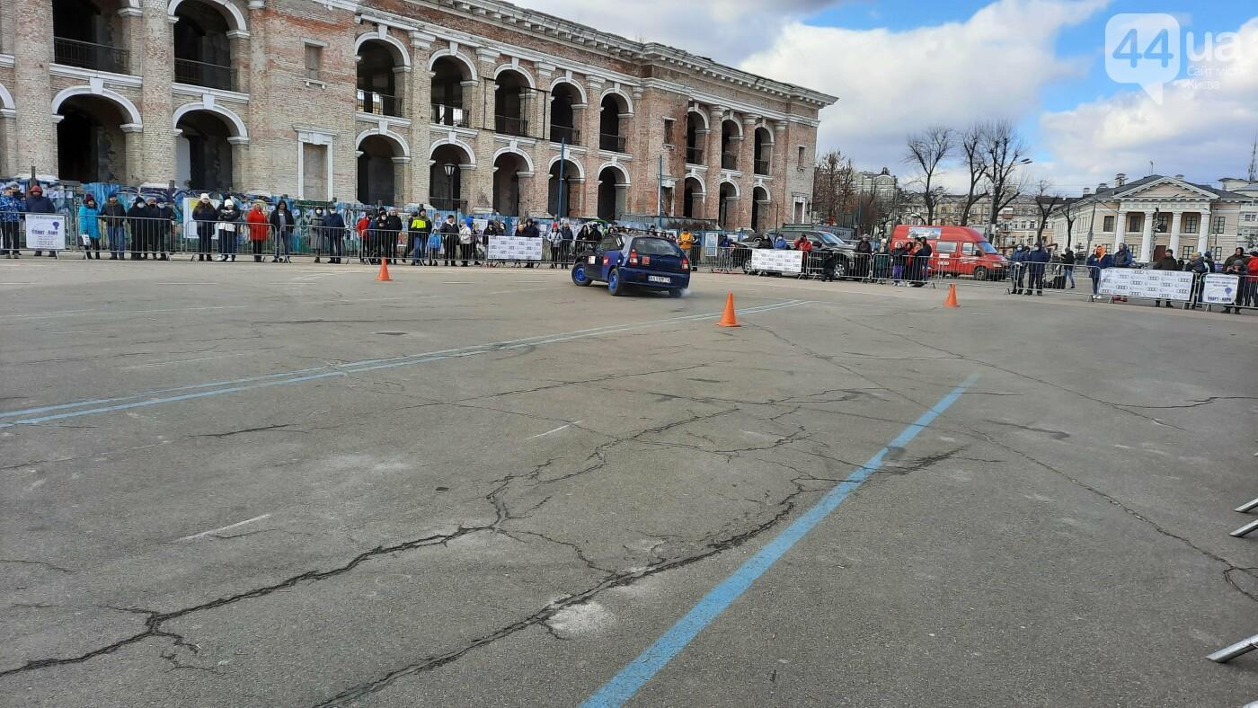 Женское ралли: как на Контрактовой площади в Киеве гонки устраивали, - ФОТО, фото-6