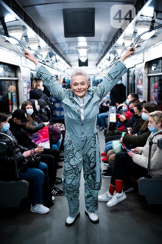 Alyona Alyona, Олексій Гладушевський та Влад Іваненко спустилися в метро, щоб показати мистецтво, фото-2