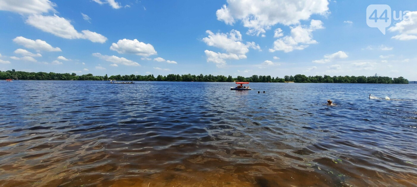 Летняя жара: киевляне уже отдыхают на пляжах, где нельзя купаться, Фото 44.ua