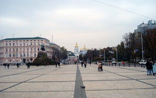 Возле Софиевской  площади в Киеве возобновили движение транспорта
