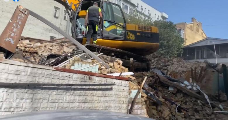В центре Киева сносят старинный дом - ВИДЕО | Новости