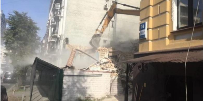 В горсовете отреагировали на снос 150-летней усадьбы на Саксаганского в  Киеве | Новости