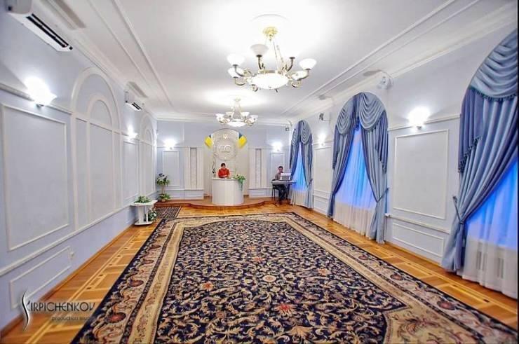 Жениться перехотелось: киевские ЗАГСы стали жертвой редизайна (ФОТО), фото-3, Фото: Рагу.лі / Facebook
