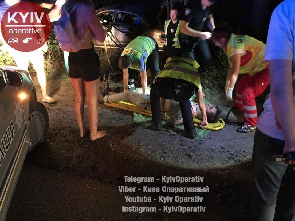 Под Киевом водитель Jaguar врезался в дерево: трое госпитализированы (ФОТО), фото-4