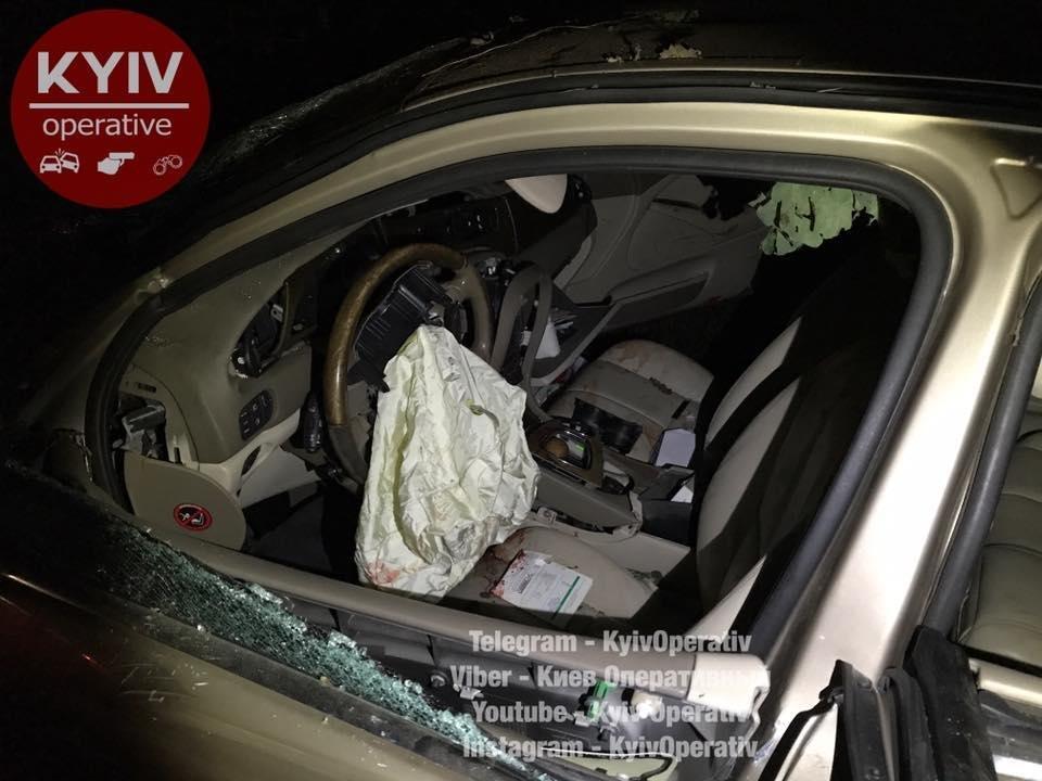 Под Киевом водитель Jaguar врезался в дерево: трое госпитализированы (ФОТО), фото-5