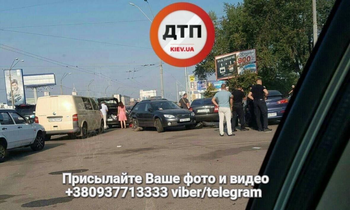 Масштабное ДТП в Киеве: столкнулись 4 авто (ФОТО), фото-2
