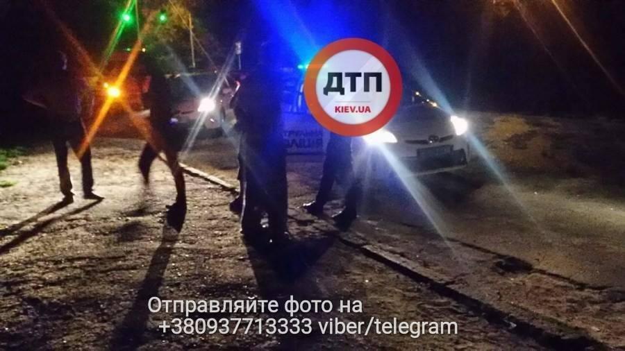 Ногу под колесо: свидетель попытался задержать полицию, фото-1