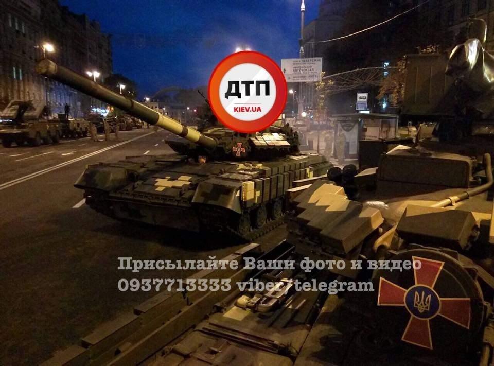 На Крещатик свозят военную технику (ФОТО), фото-1