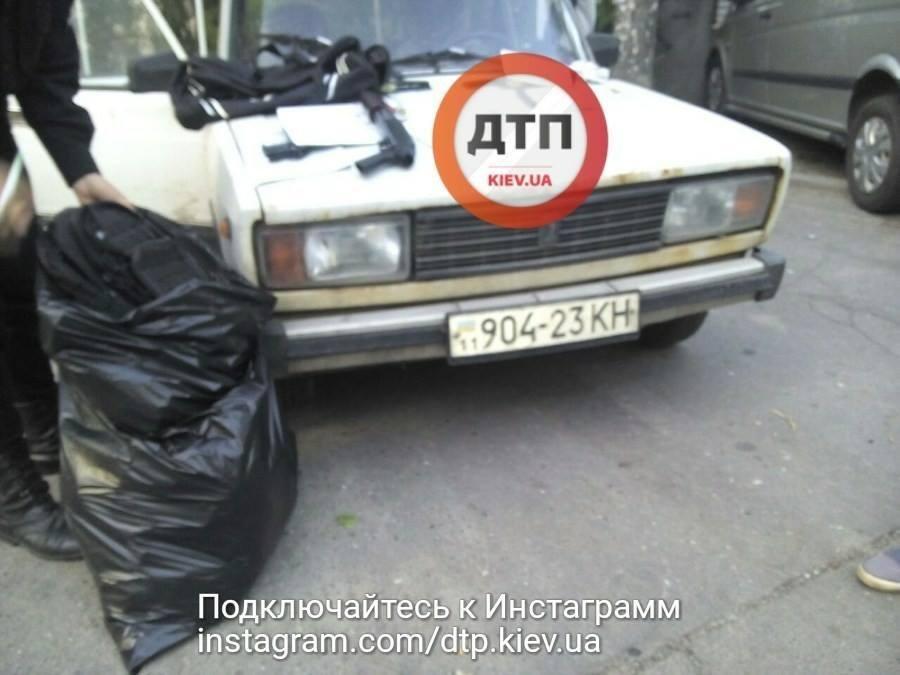 В Киеве задержали россиянина с оружием и рацией, фото-1