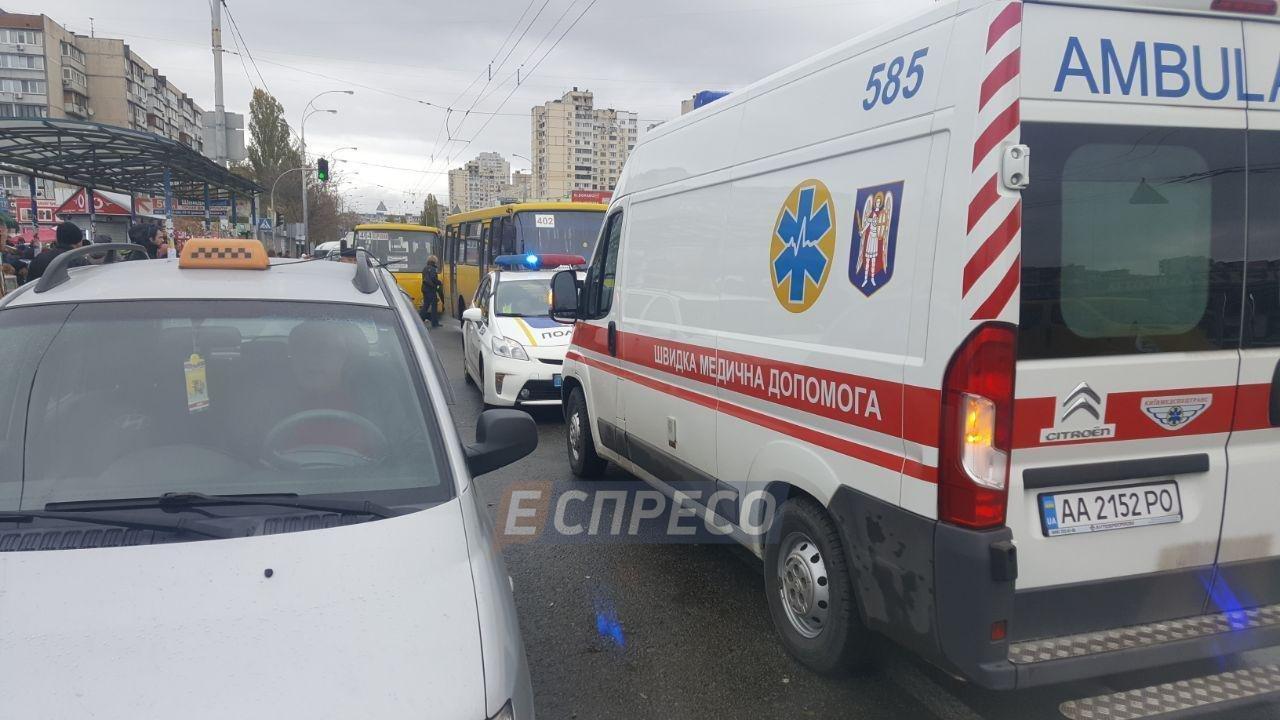 В Киеве маршрутка въехала в толпу людей: двое погибших (ФОТО), фото-4