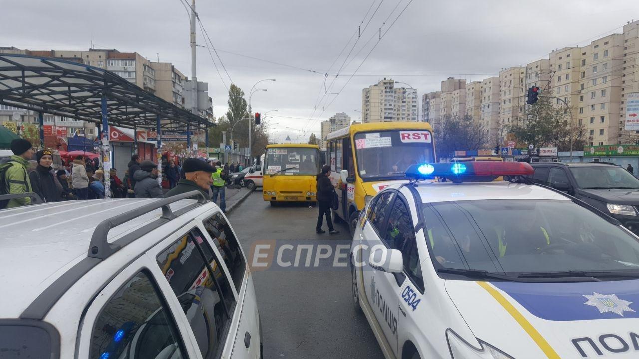 В Киеве маршрутка въехала в толпу людей: двое погибших (ФОТО), фото-1