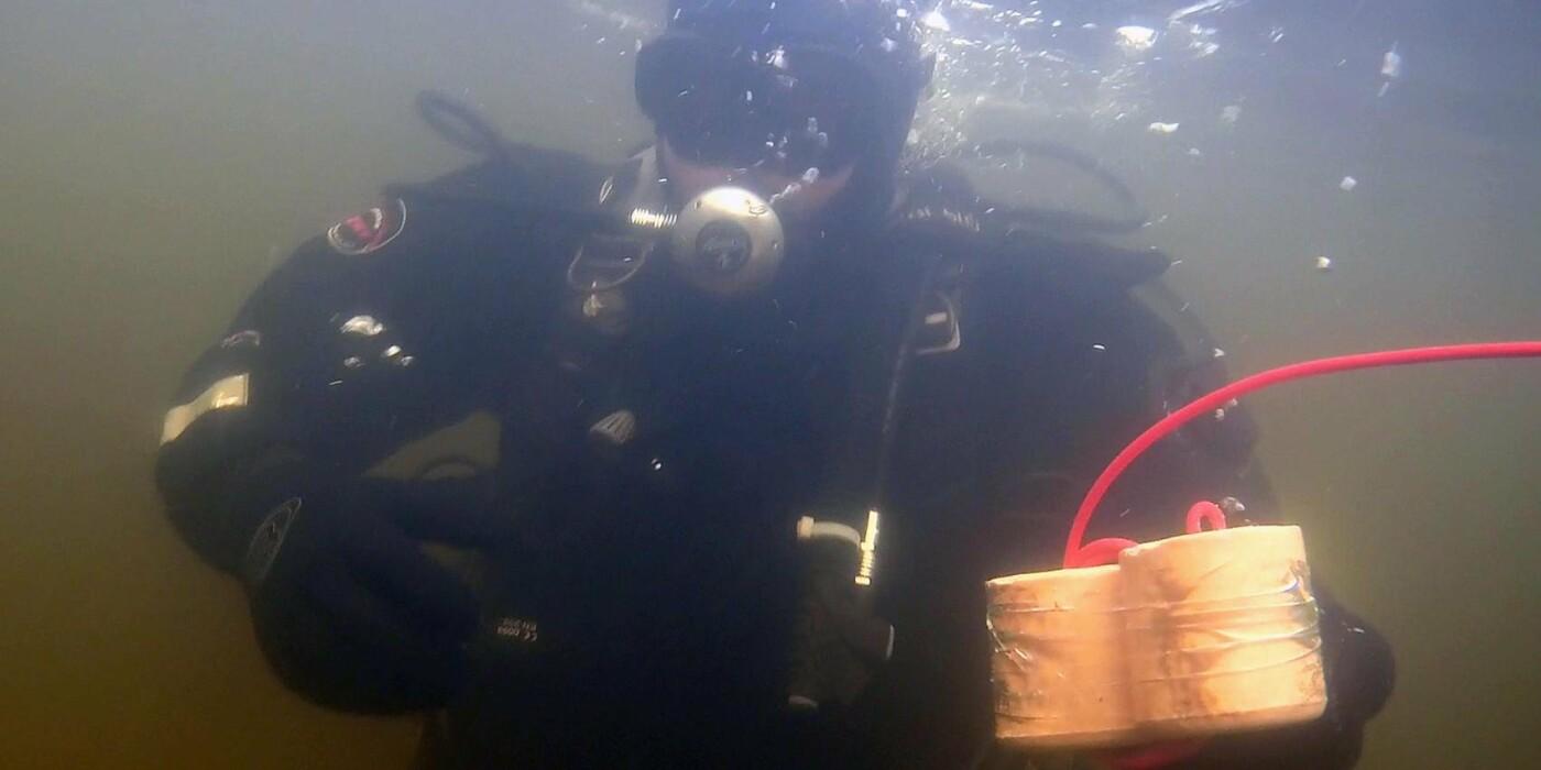 В Киевском водохранилище взорвали две авиабомбы (ВИДЕО), фото-5