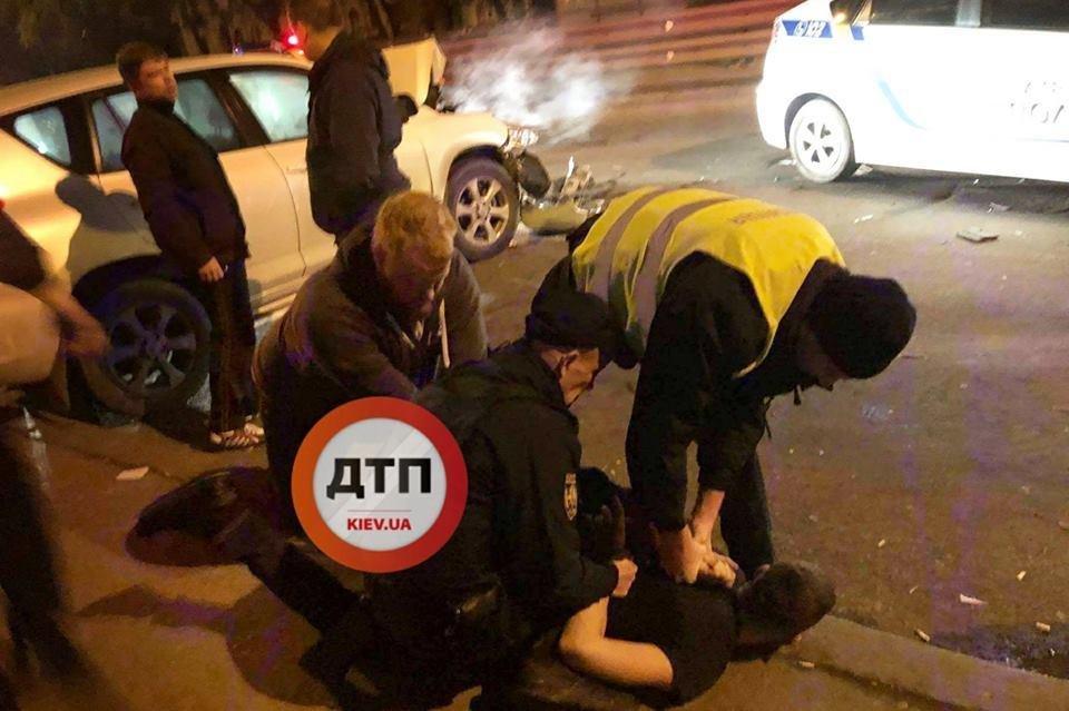 В Киеве пьяные подростки на авто врезались в грузовик (ФОТО), фото-1