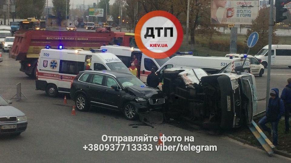 В Киеве произошло ДТП, 5 пострадавших (ФОТО), фото-3