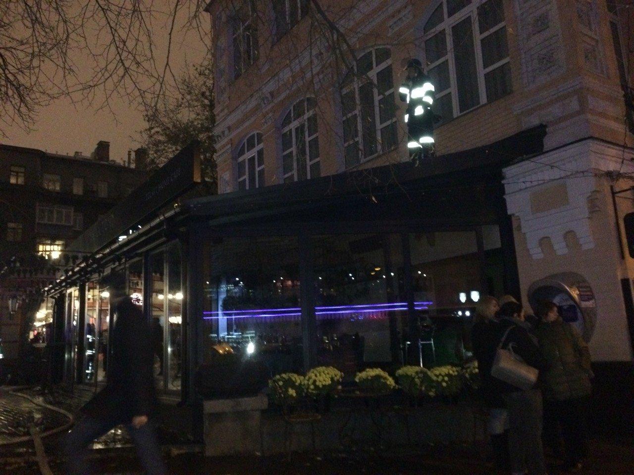 В центре Киева горело кафе (ФОТО), фото-3