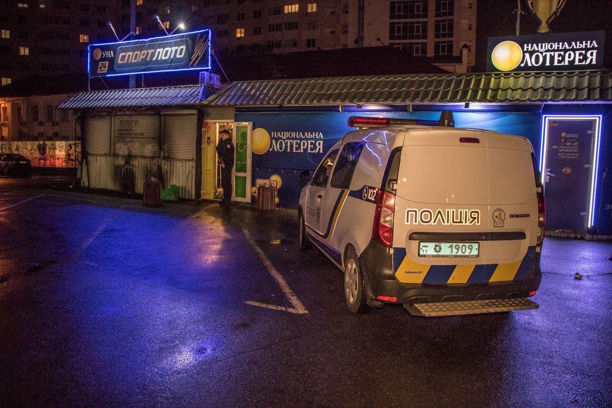 В Киеве на Нивках мужчину убили отверткой (ФОТО), фото-5