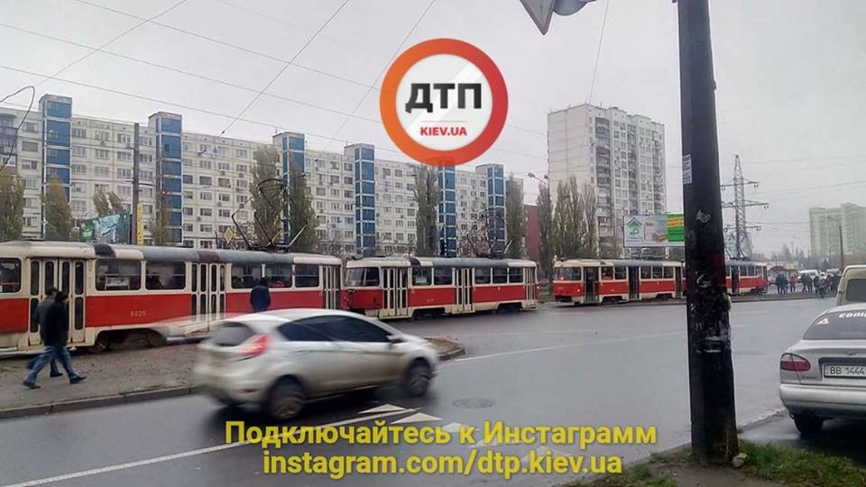 В Киеве загорелся трамвай (ФОТО), фото-1