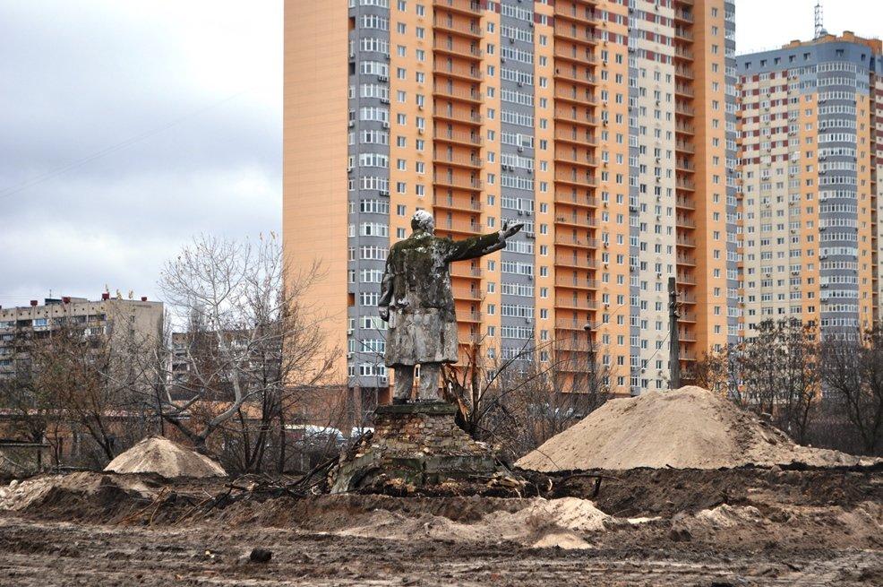 Остаться в живых: в Киеве обнаружили уцелевший памятник Ленину, фото-2
