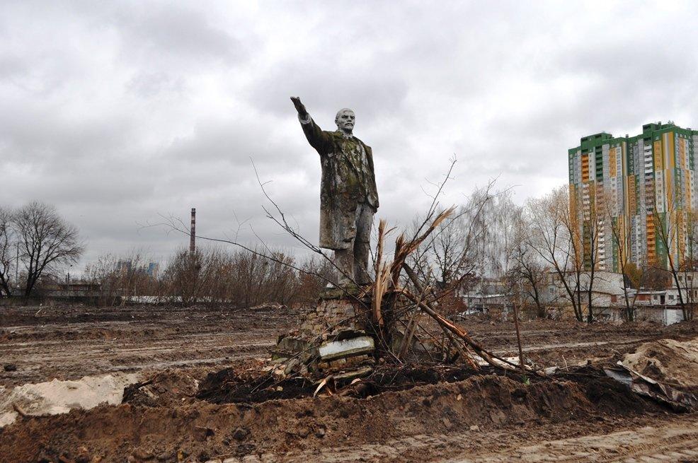 Остаться в живых: в Киеве обнаружили уцелевший памятник Ленину, фото-3