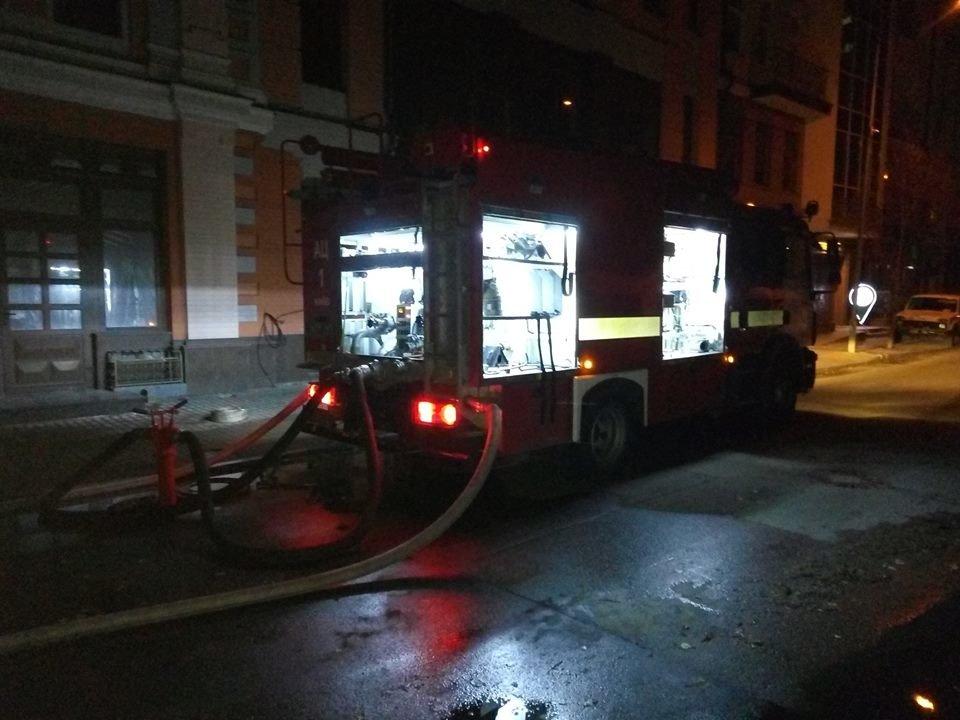 В Киеве ночью горела многоэтажка, фото-4