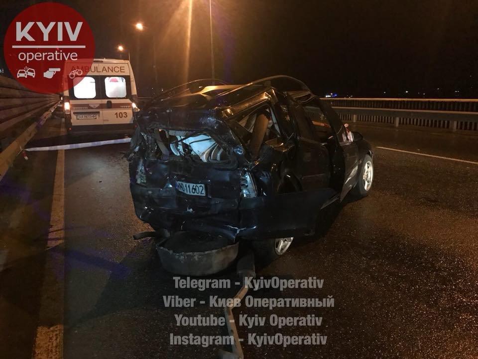 Смертельное ДТП на Южном мосту: авто отбросило на 30 метров (ФОТО), фото-1
